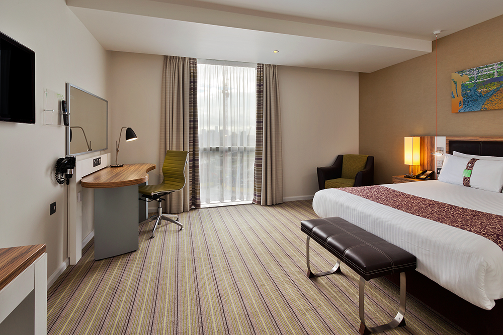 Accessible 4 Star Hotel Rooms at HI Stratford City London (IHG.com)