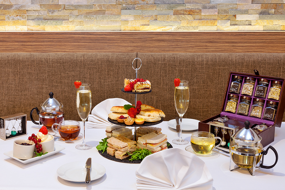 Hotel Offers: Afternoon Tea with Prosecco